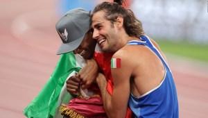 Atletas deciden compartir el oro en salto de altura