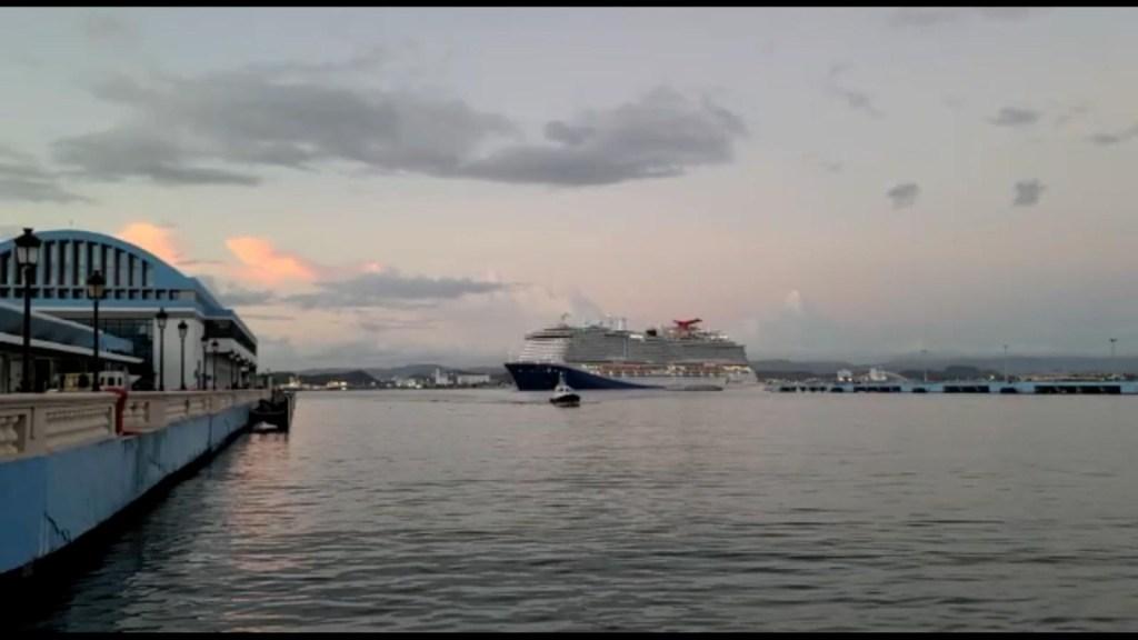 Puerto Rico recibe primer crucero comercial en pandemia