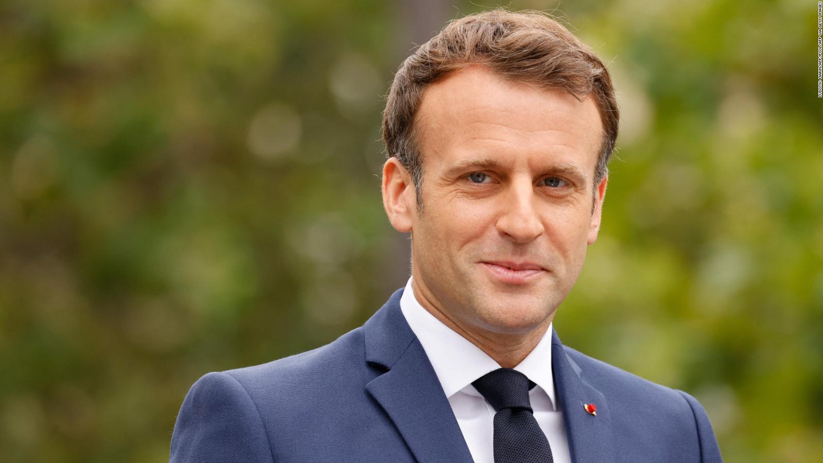 Emmanuel Macron envía mensaje tras protestas y responde sobre la vacuna