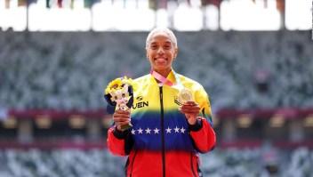 Yulimar Rojas dedica medalla a su club en Europa