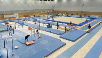 """Así es el """"gimnasio secreto"""" de Simone Biles en Tokio"""