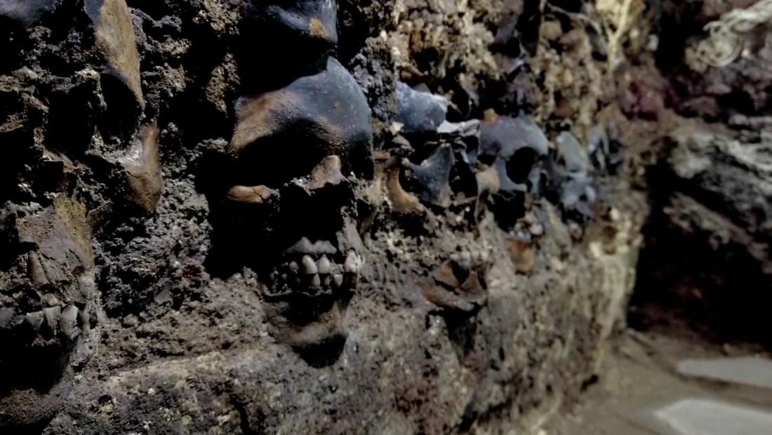 Mira la torre de cráneos humanos bajo el suelo de México