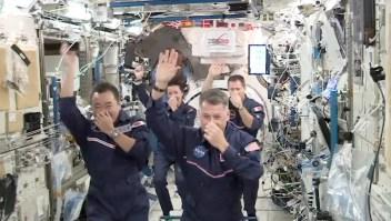 """Astronautas realizan """"Juegos Olímpicos"""" en gravedad cero"""