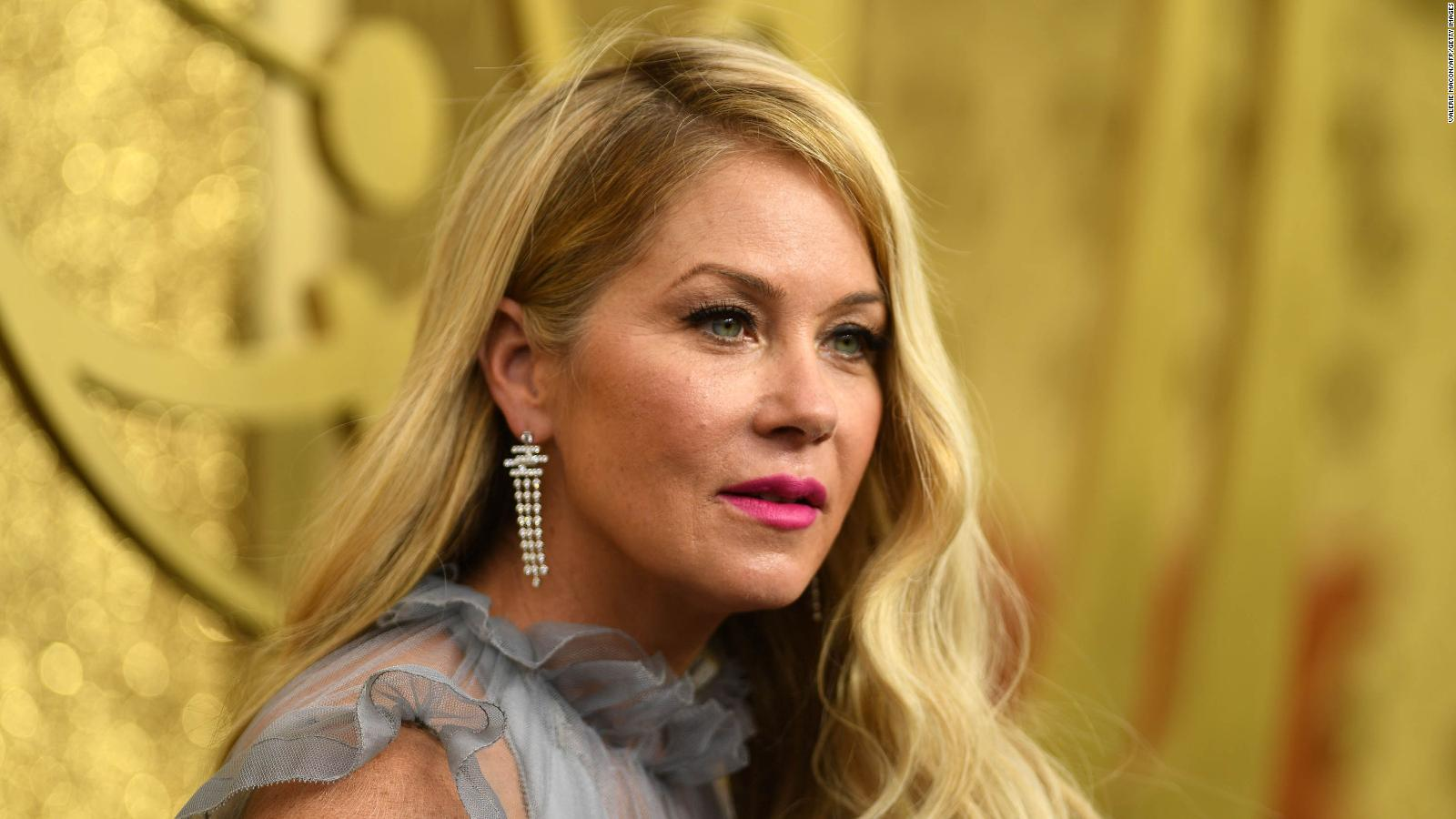 What is multiple sclerosis, the disease that actress Christina Applegate has?