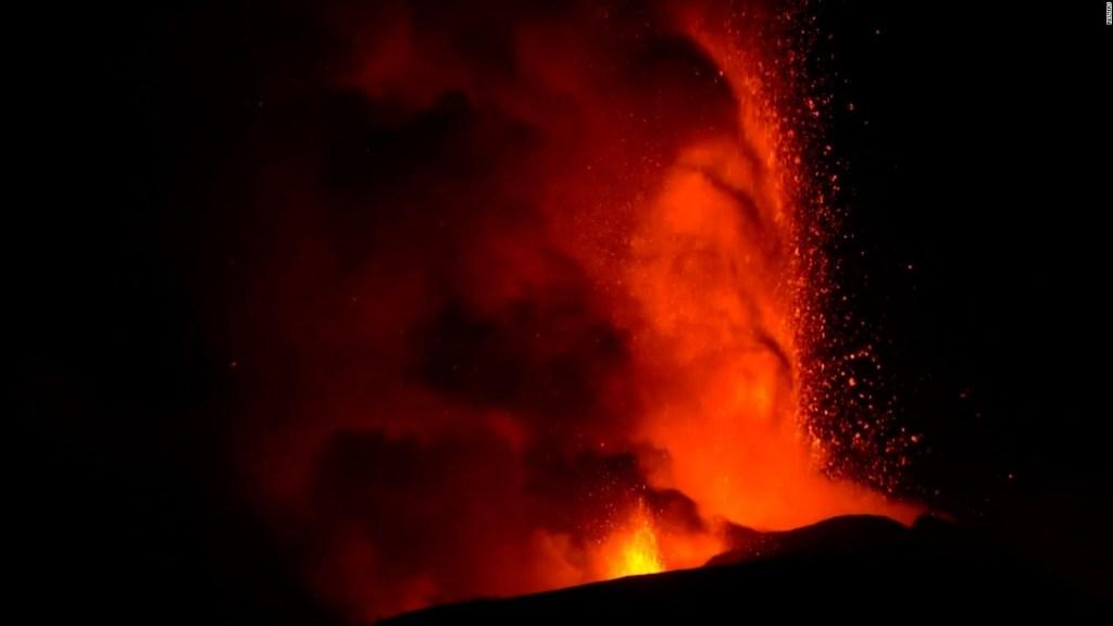 Mira este espectáculo de lava del volcán Etna