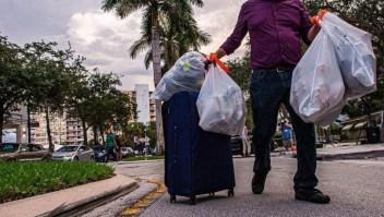 Evacúan un edificio en Miami por considerarlo inseguro