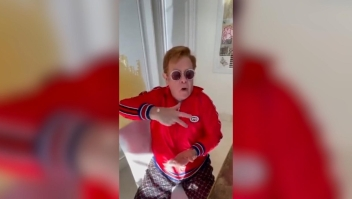 Elton John se suma al desafío de BTS