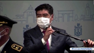 El momento en que un concejal agrede al alcalde de Quito