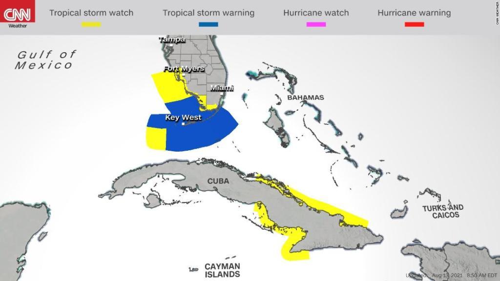 La depresión tropical Fred se reduce, pero podría volver a fortalecerse este domingo