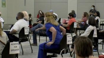 Debate sobre uso de mascarillas en escuelas acaba tenso