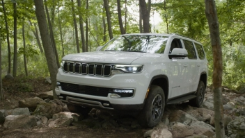 Así es manejar el nuevo Jeep Grand Wagoneer de lujo