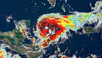 Huracán Grace toca tierra en Tulum este jueves temprano