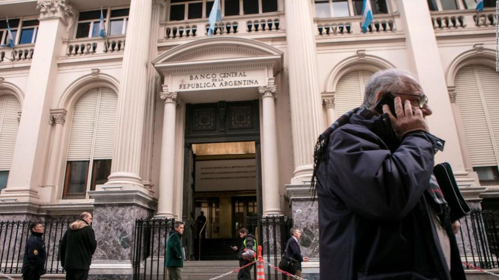 Il candidato argentino propone di abolire la banca centrale