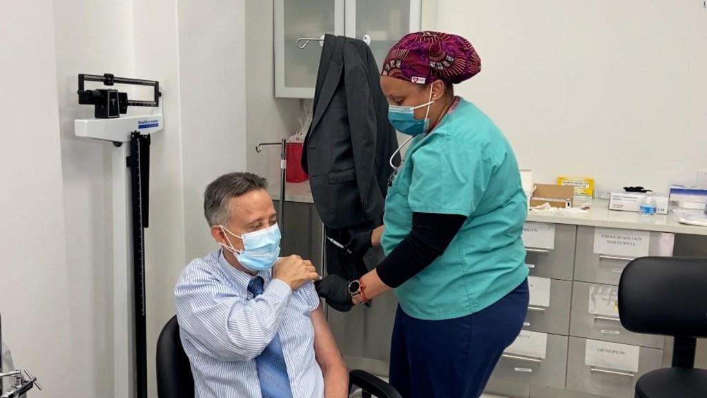 Personal de salud, primero en recibir dosis de refuerzo