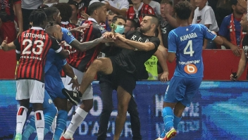 Así fue la invasión de hinchas en un juego del fútbol francés