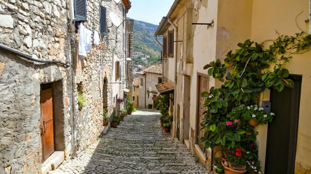 Otra localidad italiana vende casas por poco más de US$ 1