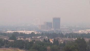 Incendio en California afecta a Reno, Nevada, y más