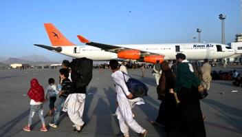 Miles de afganos temen no poder evacuar a tiempo