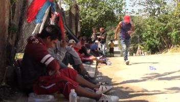 Migrantes centroamericanos son deportados a Guatemala