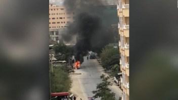 Desde este vehículo habrían lanzado los cohetes en Kabul