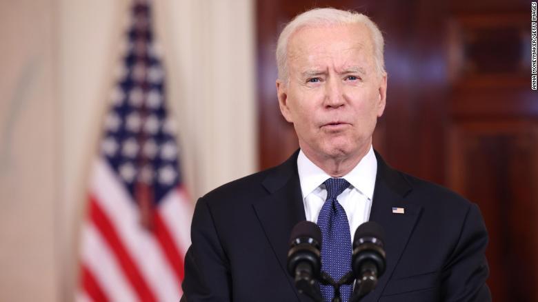 La administración Biden afirma que ayudará a los afganos