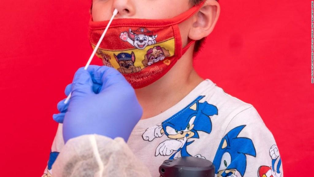 Los casos de covid-19 se mantienen altos en niños