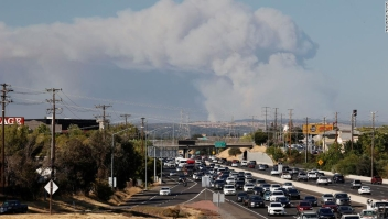 river-fire-incendio-california.jpeg