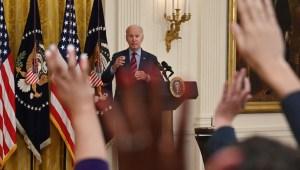 Biden: Los CDC propondrán estrategia ante desalojos
