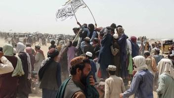 """¿Qué pasa con Afganistán ante el avance talibán? Corresponsal de CNN reporta """"silencio ensordecedor"""" del gobierno"""