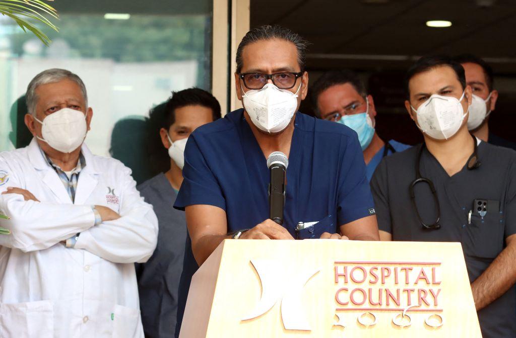 Vicente Fernández est stable, selon son équipe médicale