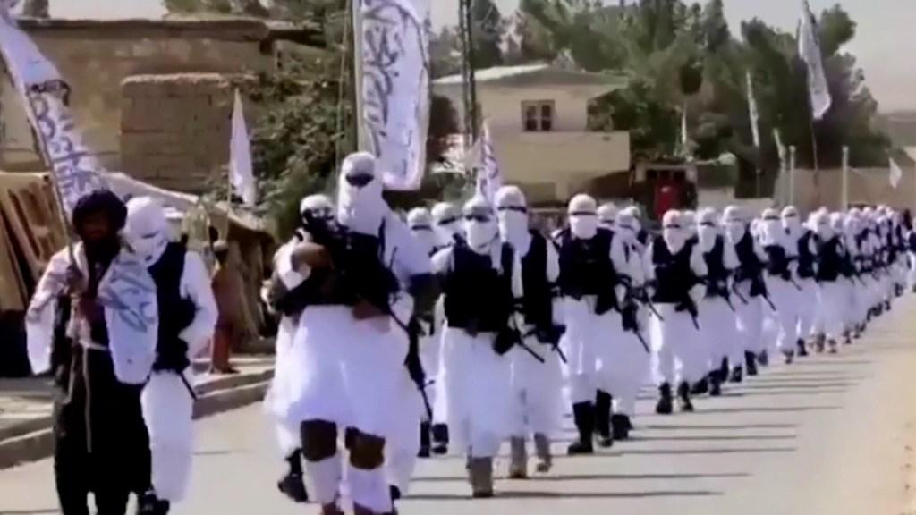 Mira el arsenal del que presumen los talibanes y que fue abandonado por EE.UU.