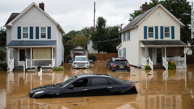 Riesgo de inundaciones tras el paso de Henri en EE.UU.