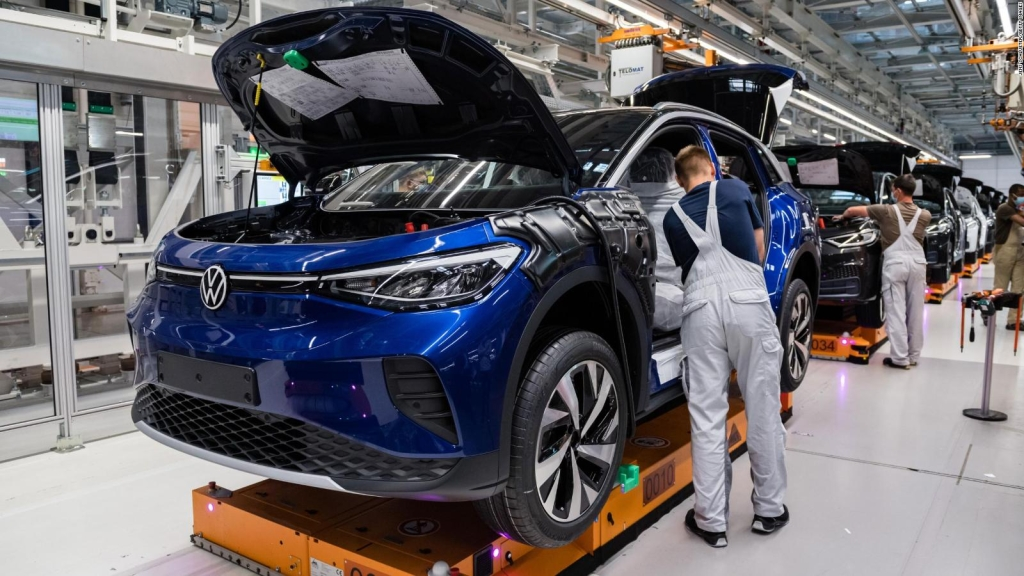 Volkswagen busca que 50% de ventas sean autos eléctricos