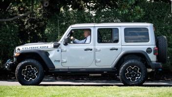 Biden apuesta por los autos eléctricos para el 2030