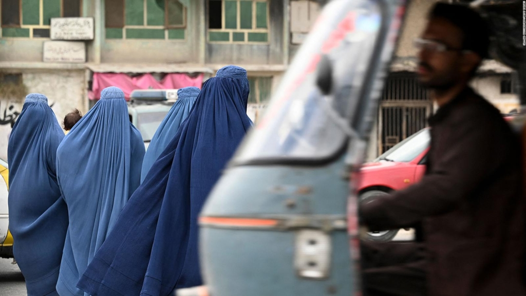 Afganas no formarán parte del gobierno, según talibanes