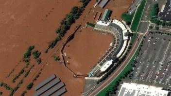 Estadio bajo el agua tras paso de Ida por Nueva Jersey