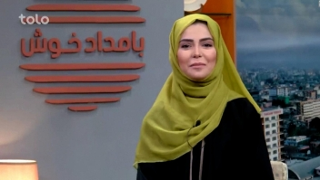 Afganistán: show de tv vuelve a tener a una presentadora