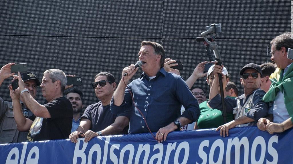 El peor momento de Bolsonaro, según un analista