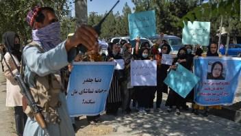 ONU pide a los talibanes respetar las manifestaciones