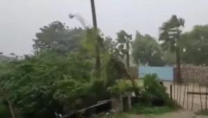 Huracán Olaf toca tierra en Baja California Sur, México