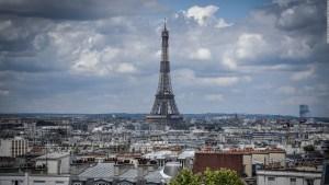 Cruza París desde las alturas