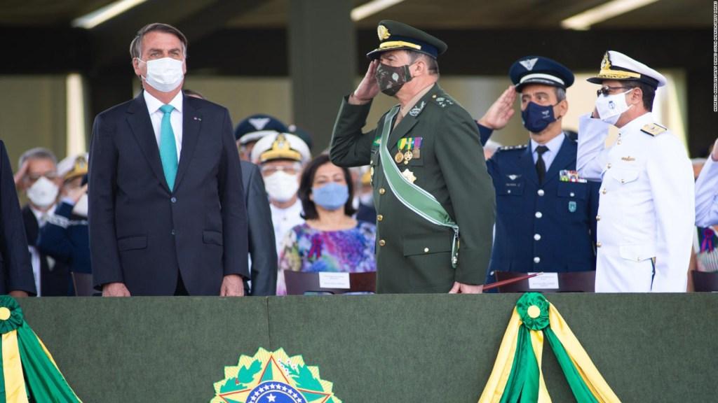 """""""Bolsonaro puede pedir que las FF.AA. intervengan"""", dice diputada"""