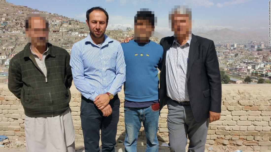 'Queremos justicia', dicen familiares de los 10 civiles muertos en un ataque aéreo de EE.UU. en Afganistán. El Pentágono reconoce que fue 'un error'