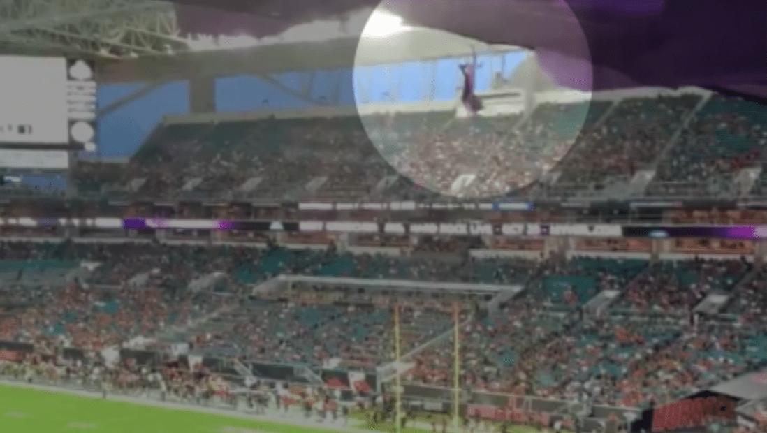El gato volador en el fútbol americano se vuelve viral