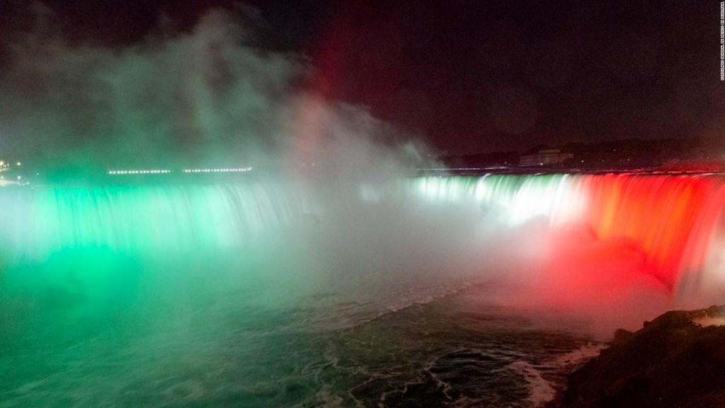 Niagara Falls glow green, white and red