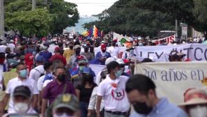 Protestas en El Salvador contra varias medidas de Bukele