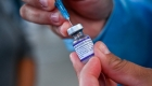 Mexicana cuenta cómo logró que vacunaran a su hija menor