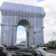 Envuelven el Arco del Triunfo