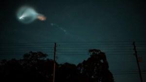 Impresionante estela iluminó el cielo de Florida