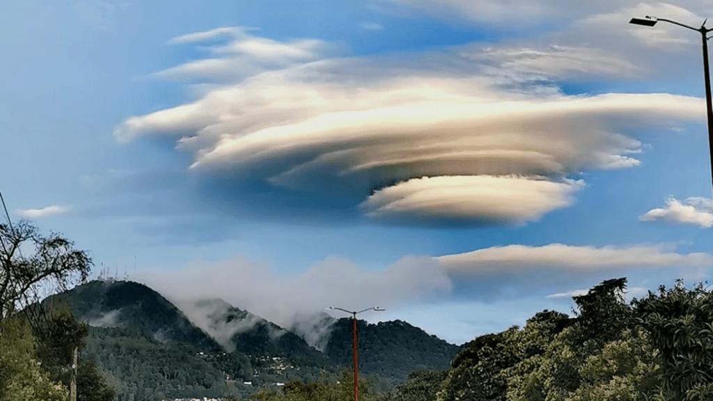 Nubes inusuales cubren los cielos de México